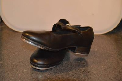 SIZE 12 TODDLERS TAP SHOES