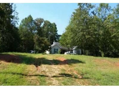 3 Bed 2 Bath Foreclosure Property in Lavonia, GA 30553 - Siesta Ln