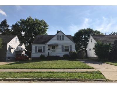 2 Bed 1.0 Bath Preforeclosure Property in Euclid, OH 44123 - Nicholas Ave