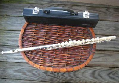 $450 Yamaha YFL 221 Flute