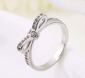 New Womens Silver Knot Rhinestone Bow Stackable Ring - Sz 7
