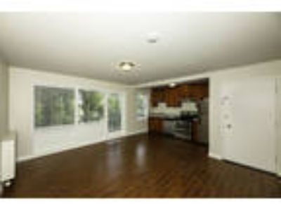 240 CUMBERLAND Apartments & Suites - One BR One BA Furnished Suite