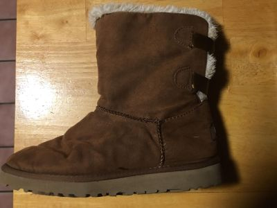 UGGS Brown Women s Size 7 $25