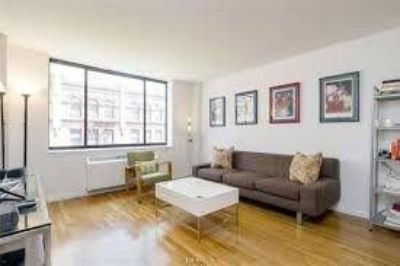 Large FLEX 2 Bedroom Located in the Heart of Tribeca