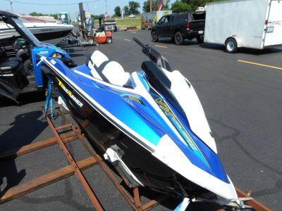 2018 Yamaha VX Cruiser HO 3 Person Watercraft Belvidere, IL