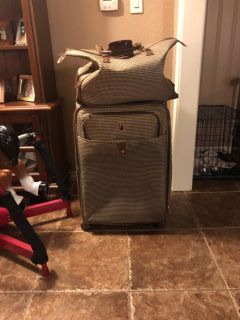 London fog large suitcase and carry on bags