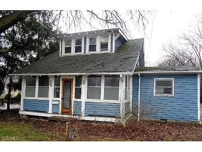 3 Bed 1 Bath Foreclosure Property in Brook Park, OH 44142 - Engle Rd