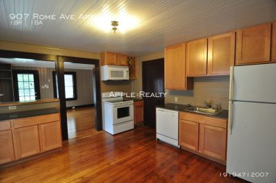 907 Rome Ave Apt B - Available mid-August