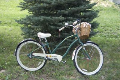 $635 OBO NEW ELECTRA WOMEN'S 26in 3 SPEED CRUISER W/ FREE NEXT 26IN MEN'S BIKE