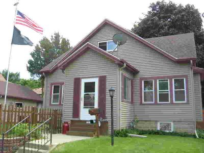 7919 W Rogers St West Allis Three BR, This charming Bungalow has