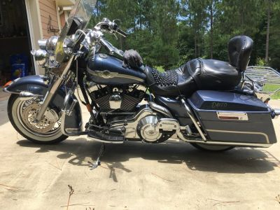 2003 Harley Davidson Road King (Gold Key Package)