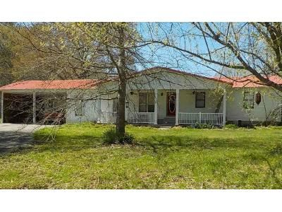 2 Bed 1 Bath Foreclosure Property in Danville, AL 35619 - County Road 84