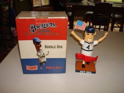 2006 HOT DOG BOBBLE Milwaukee Brewers Bobble Head New in Box SGA