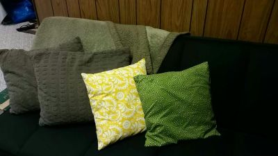 Olive Throw Blanket and 4 Pillows