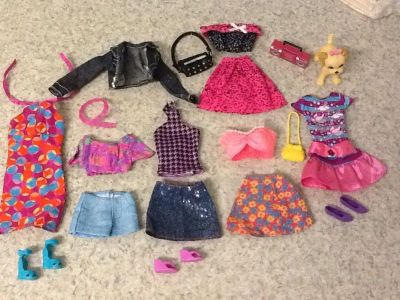 Clothes & Accessories for Barbies 19 pcs in all . See additional pics