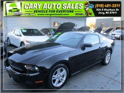 2010 Ford Mustang V6 Premium (BLACK)