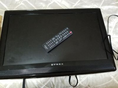 """Dynex 24""""Lcd tv with small Wall Mount"""