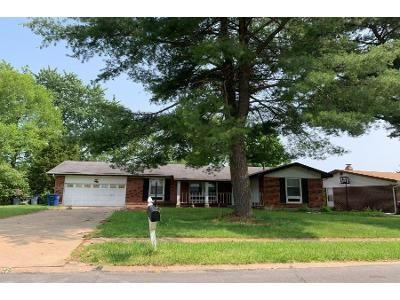 3 Bed 3.0 Bath Preforeclosure Property in Florissant, MO 63033 - Caracalla Dr