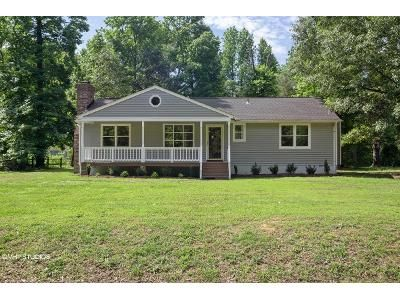 3 Bed 2 Bath Foreclosure Property in Petersburg, VA 23803 - Bancroft Dr