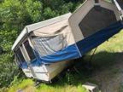 2007 Forest River Flagstaff Tent 228D