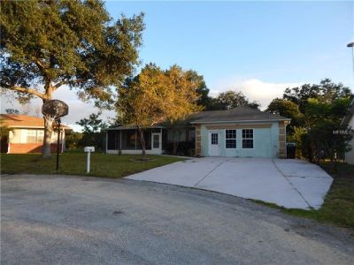 Great location. Just south of I-4 off of rte 27 near shopping and restaurants.