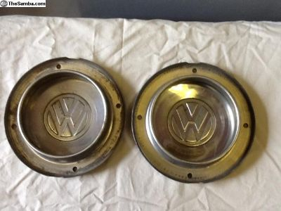 Set of 2 VW Dasher wheel center cap.