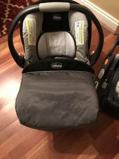 Chicco keyfit 30 car seat and 3 bases