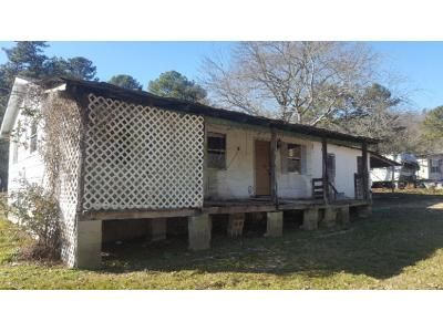 2 Bed 1 Bath Foreclosure Property in Calhoun, GA 30701 - Newtown Rd NE