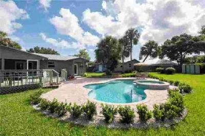 1401 SW Palm City Road Stuart Three BR, Vacation at home!Paradise