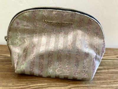 Sparkly Victoria s Secret Cosmetic Bag! Good Condition but missing pull tab.