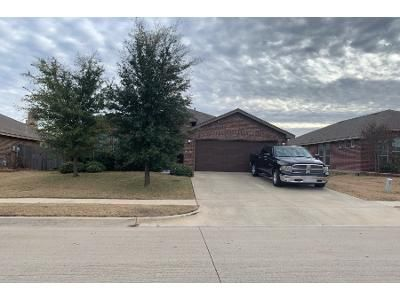 3 Bed 2 Bath Preforeclosure Property in Fort Worth, TX 76131 - Creek Bend Dr