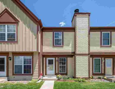 14466 East Hawaii Circle B Aurora Two BR, Trendy townhome in
