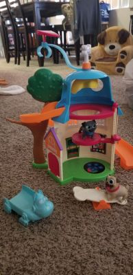 Puppy dog pals playhouse