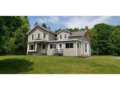 3 Bed 2 Bath Foreclosure Property in Averill Park, NY 12018 - State Route 43