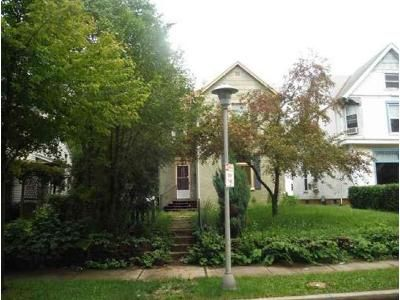 3 Bed 2 Bath Foreclosure Property in Richmond, IN 47374 - S 18th St