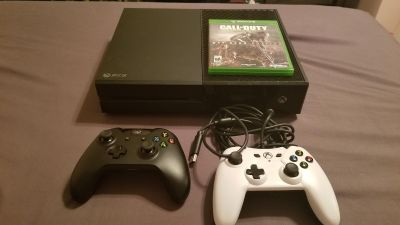 Xbox One 1 wired controller 1 wireless controller and game