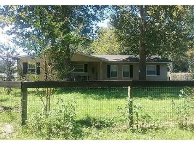 4 Bed 3 Bath Foreclosure Property in Anthony, FL 32617 - NE 16th Ter