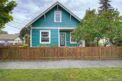 1208 S Oakes St Tacoma Four BR, This Central Craftsman has