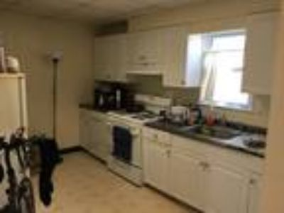 This great One BR, One BA sunny apartment is located in the Porter Square area o