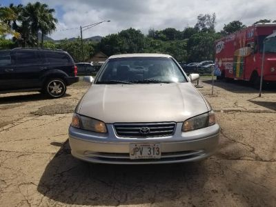 2001 Toyota Camry LE V6 (Yellow)