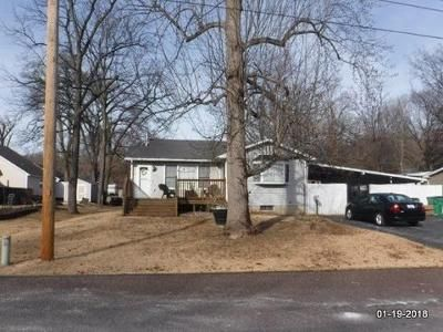 2 Bed 1.0 Bath Foreclosure Property in Pacific, MO 63069 - E Park St