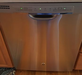 GE stainless steel dishwasher. 3-4 years old. Works, but did not get my dishes as clean as I would like. Cross posted. Cash only.