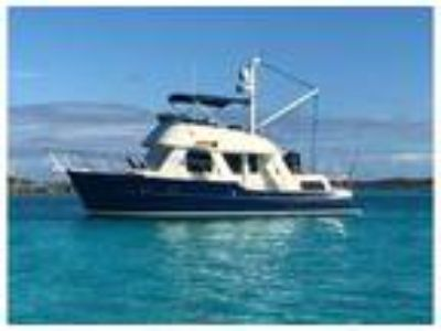 2000 Pacific Seacraft Aft Cabin Trawler