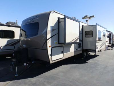 2018 Forest River ROCKWOOD 2604WS, 2 SLIDES, REAR LOUNGE RECLINERS, WALK AROUND QUEEN BED, POWER AWNING, POWER STABILIZER JACKS