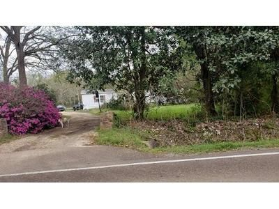 4 Bed 3 Bath Foreclosure Property in Covington, LA 70435 - Highway 1081