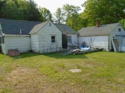 3 Bed 1 Bath Foreclosure Property in Templeton, MA 01468 - South Rd