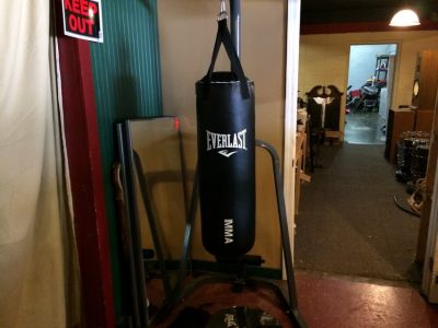 Stand With Heavy Bag , Hydro Bag and Gloves