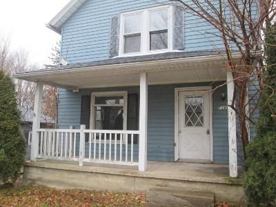 3 Bed 2 Bath Foreclosure Property in Rolling Prairie, IN 46371 - S Prairie St