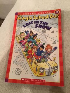 The Magic School Bus - Lost in the Snow Paperback