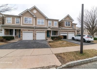 3 Bed 2.5 Bath Foreclosure Property in Wayne, NJ 07470 - Levinberg Ln